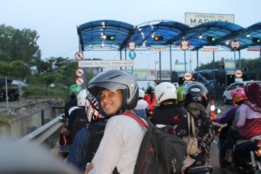 Siap masuk ke tol Suramadu